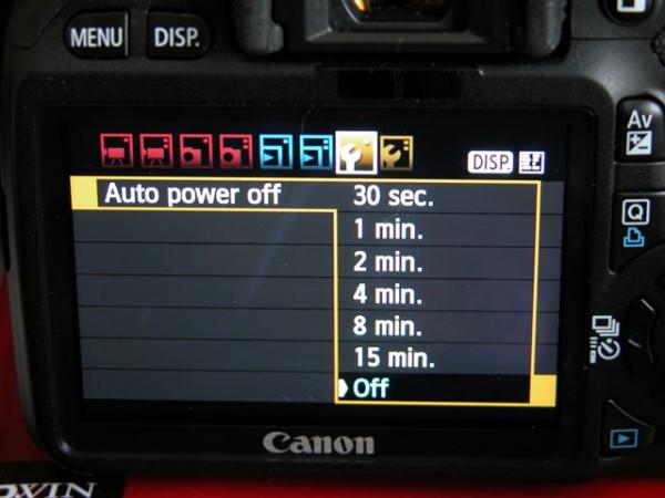 Canon T2i / 550D battery showdown – original vs. fake – UPDATED: battery grip